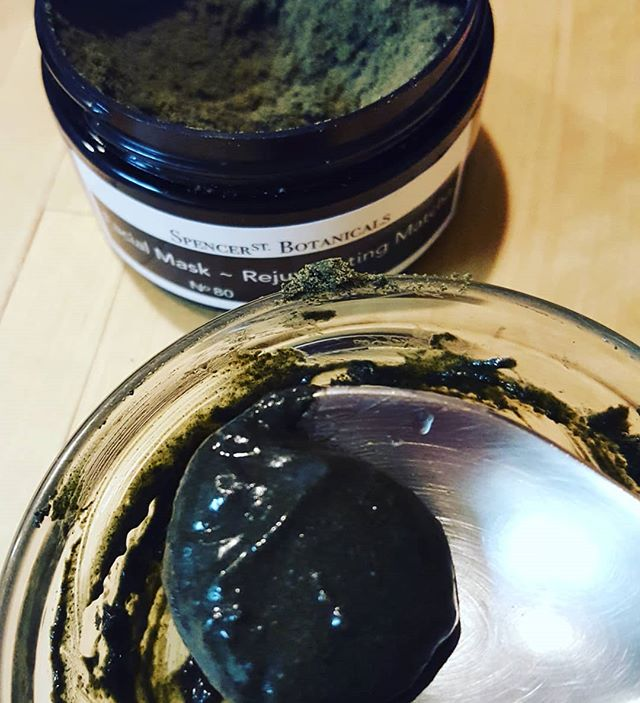 I'm feeling the need to feed my face tonight so I'm mixing up our Rejuvenating Matcha Mask for the task. With matcha, camu camu, hemp, spirulina, goat milk, honey and camellia oil, Its perfect!