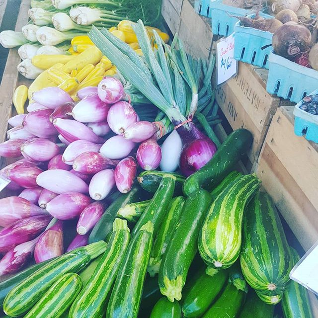 I LOVE visiting the Farmer's Market! Got tons of fresh produce and other goodies this morning during my weekly trip. Its wonderful to support our local farmers and get fabulous food...all at the same time. 🍅🥕🌶🍄🌱Good nutrition is the basis for great skin care!  Visit your market this weekend and eat your way to beautiful, glowing skin. ❤