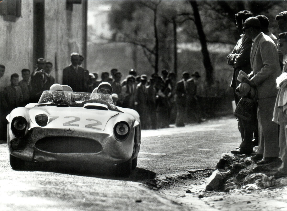 Stirling Moss and Denis Jenkinson in the Mille Miglia-winning #722 car.