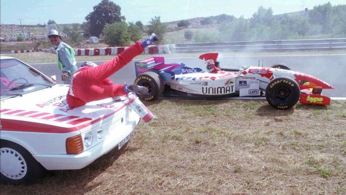 Arrows (Footwork in the early 90's) has been always in the wrong spot for all the wrong reason. Taki Inoue ultimately display the team cruel luck with getting hit by a medical car during the 1995 Hungarian GP