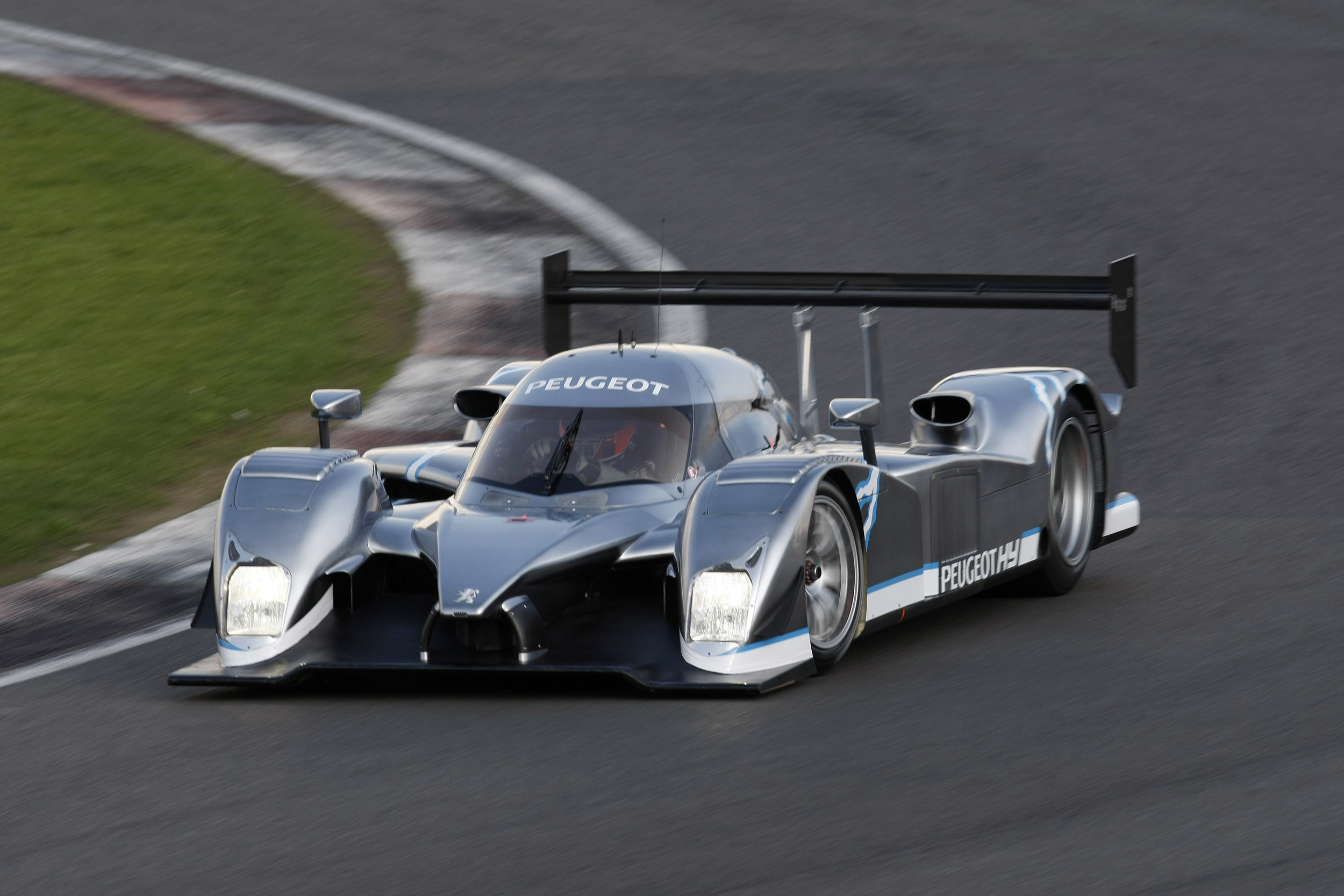 The Peugeot 908 HY running at Silverstone back in 2008