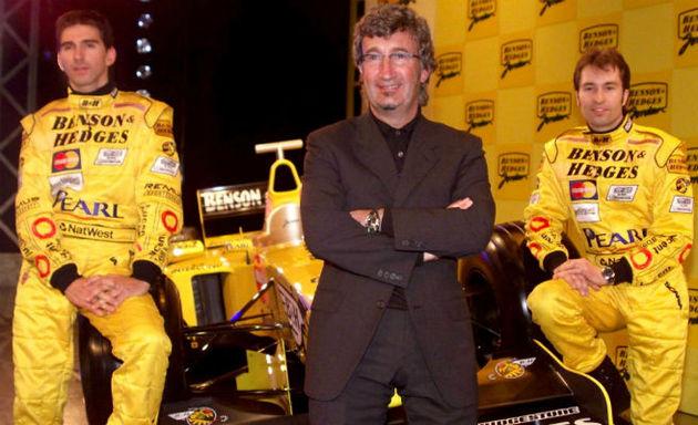 Eddie Jordan with Damon Hill and Heinz Harold Frentzen at the launch of the Jordan 199