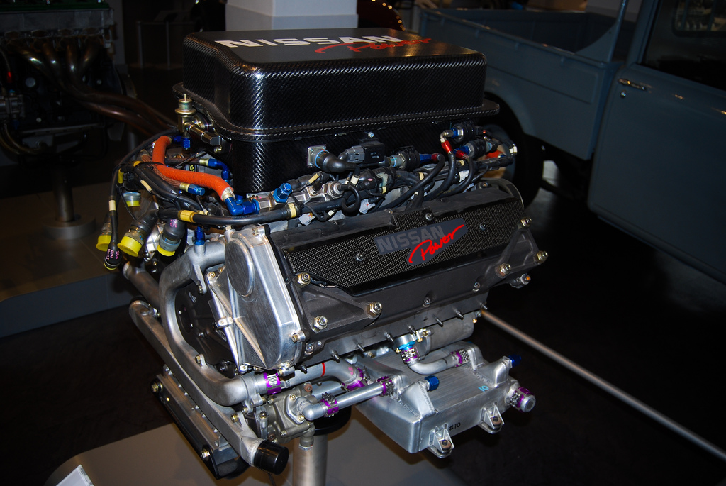 Nissan's ambitious VRH50A flatplane V8.
