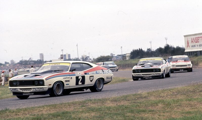 The Falcons sporting the hood scoop that failed to make it to Bathurst, Surfer's Paradise 1977