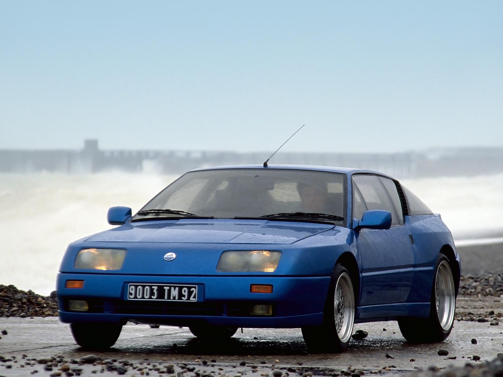 Despite its official designation, the GT2 car was still based on the older GTA.