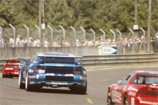 The Alpine battling with its two main rivals, Ferrari 348 and Honda NSX.