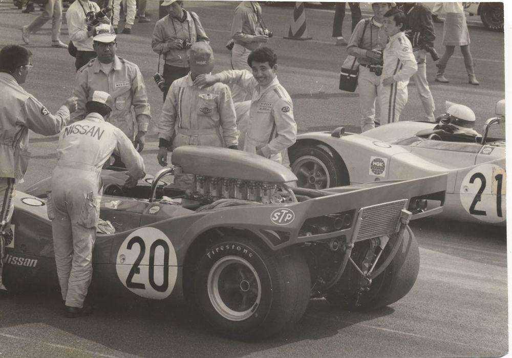 Getting ready, 5th Japan GP 1969.