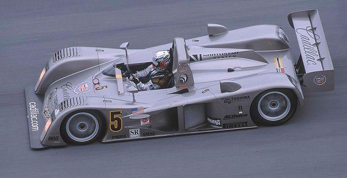 Max Angelelli on the high banking, Daytona 2000.
