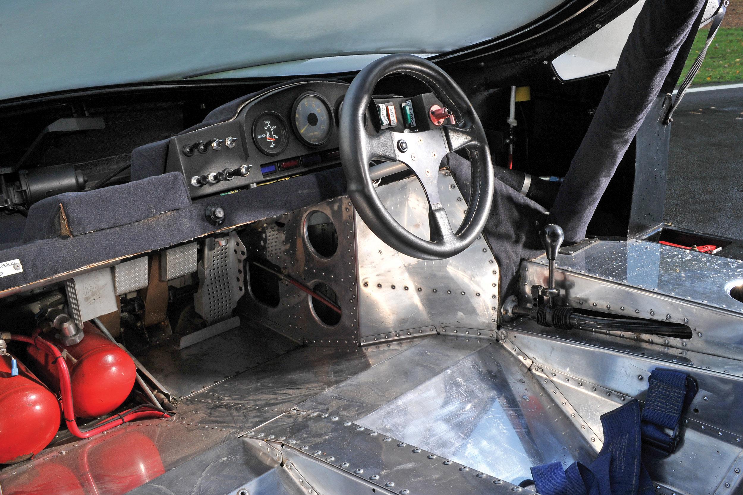 The M482's cozy cockpit.