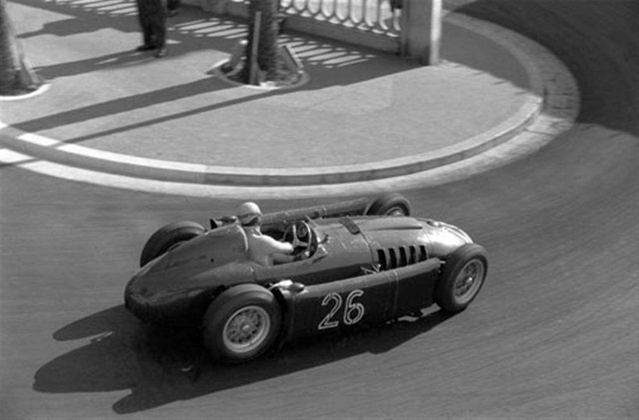 Alberto Ascari entering the famous hairpin, Monaco 1955.