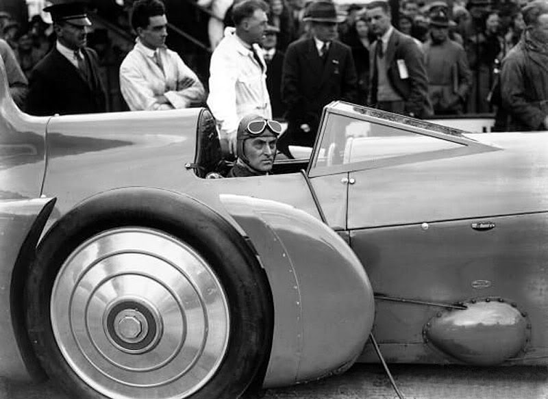 Malcolm Campbell was determined to keep the land speed record proper and British.