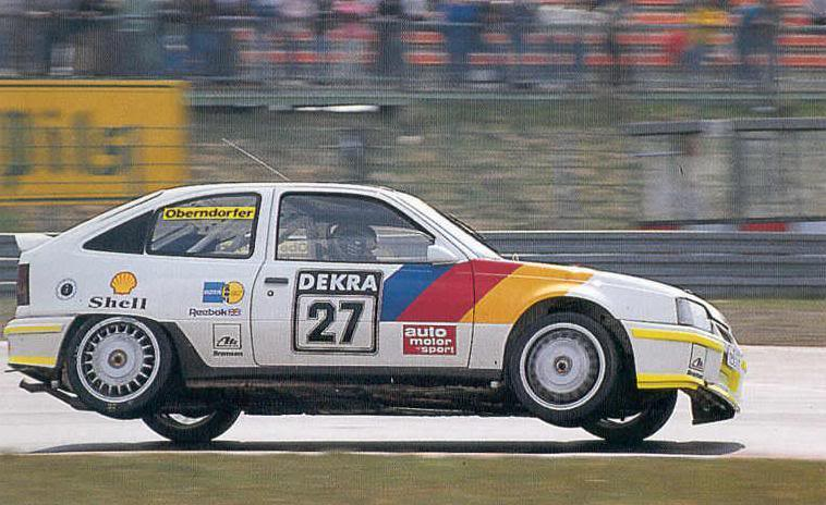 Opel entered the DTM with the front wheel drive Kadett GSi 16V in 1988.