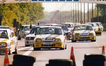 Niedzwiedz leading Oestreich, AVUS-ring 1990.