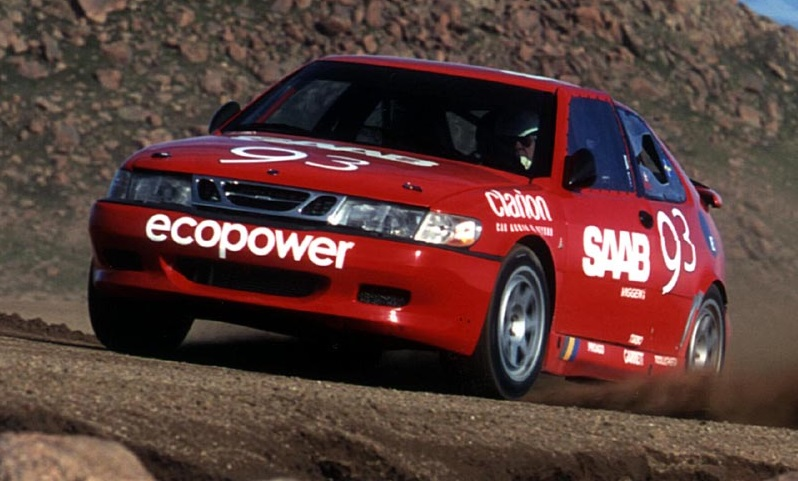 The Open-class Saab had a very plain-looking body.