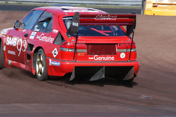 No expenses were spared in redesigning the 9-3's aerodynamics package for 2002.