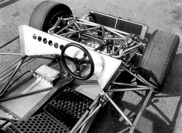 The JP6 featured a suspension system which had never been seen before.