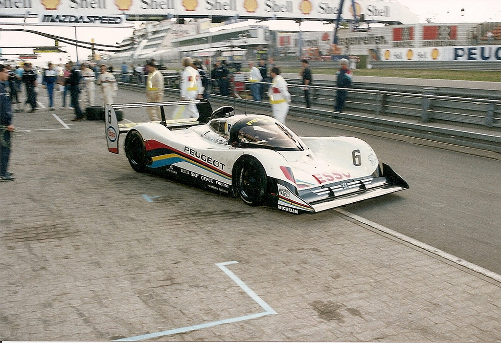 At the Nürburging GP-Strecke Peugeot introduced a heavily revised 905B.