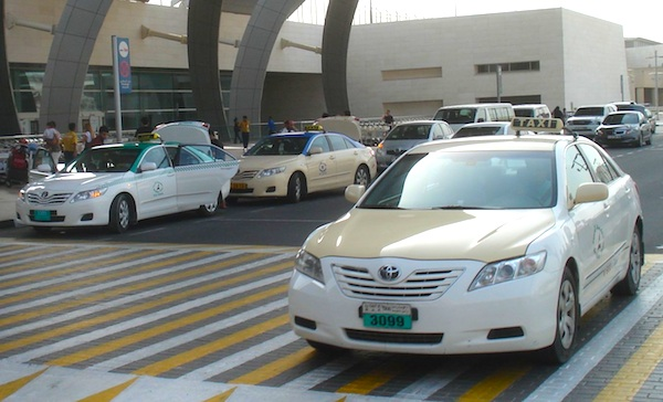Toyota-Camry-UAE-2011.jpg