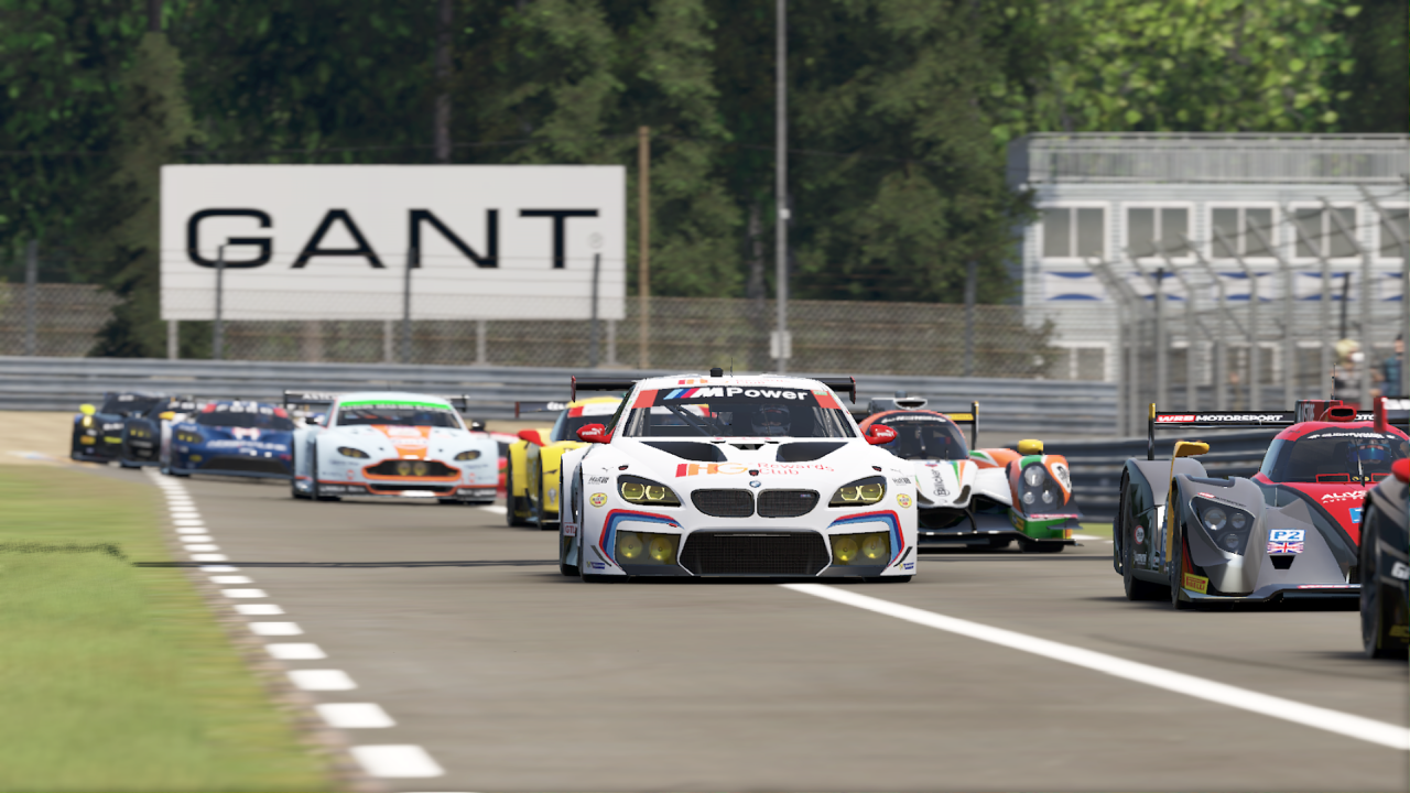 Multi-class racing is one of the points where Project Cars 2 shines brightest.