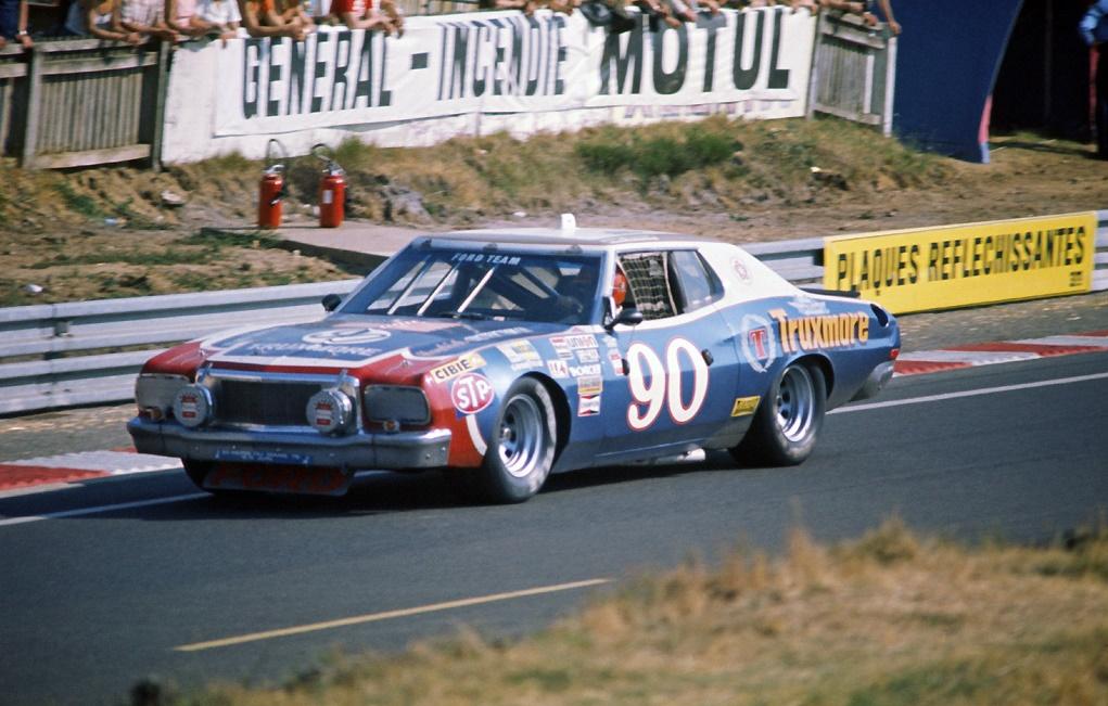 1976-Ford-Torino-LM24-vers-Dunlop.jpg