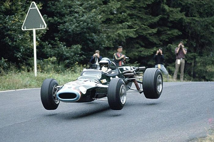 Jacky Ickx put Matra on the map by overtaking several F1 cars with an MS5 F2 at the 1966 German Grand Prix.