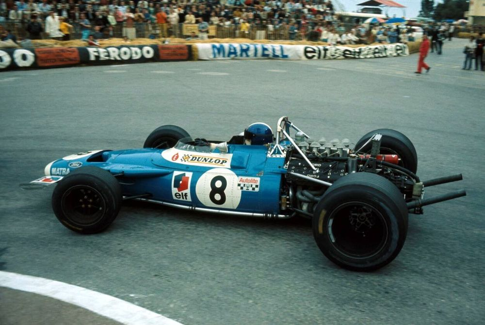The dangerous failures forced teams to revert to a more conventional wingless design.