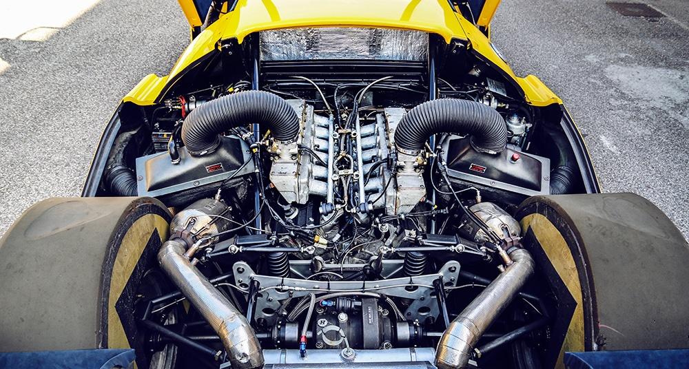 The massive 6.0L V12 provided plenty of power.