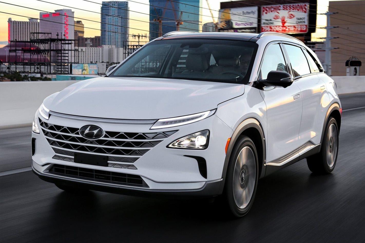 Hyundai-Nexo-front-quarter.jpg