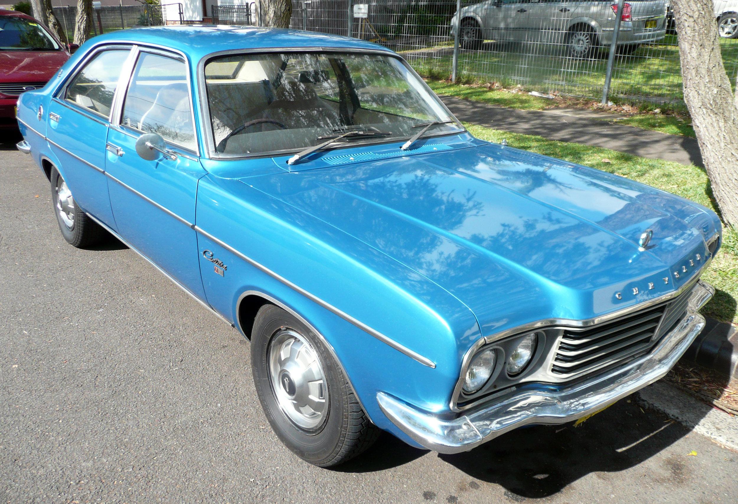 1975-1977_Chrysler_Centura_(KB)_GL_sedan_(2009-11-13)_01.jpg