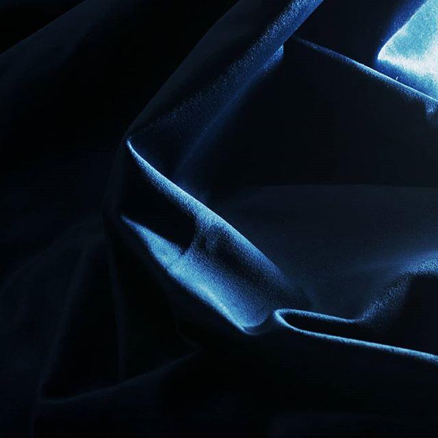 Grace au revêtement en velours à l'interieur de nos pochettes, vos appareils sont toujours protegés des rayures pendant leur transport.
