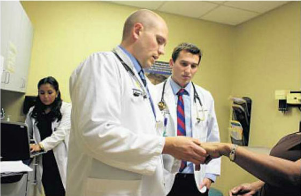 UCF Medical School Students Learn in a Free Clinic Setting - February 11, 2015