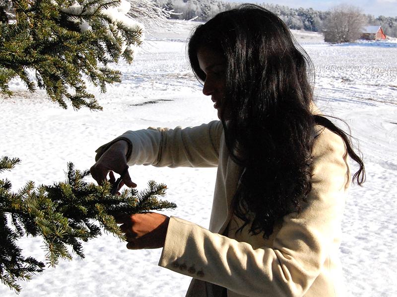 Wellstruck Lady Boss   Priya Narasimhan of Priya Means Love — foraging