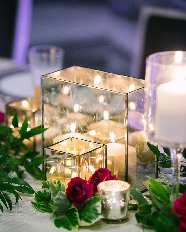 Candlelight can make all the difference 😍. . . . . . Planning + Design: @idaroseevents | Photography: @kthompsonphotography | Flowers: @sweetrootvillage | Catering + Cake: @watergatehotel | cookies: @sugarstudio_co | Videography: love in color films| Makeup: @claireashleybeauty | Hair: the London Bob Hair Design | Invitations: @parisadamian + @thebluehaystack | Escort Display: @parisadamian + @thebluehaystack | photobooth: @justsmilebooth | rentals: @selecteventgroup | DJ: @bryangeorgemusic