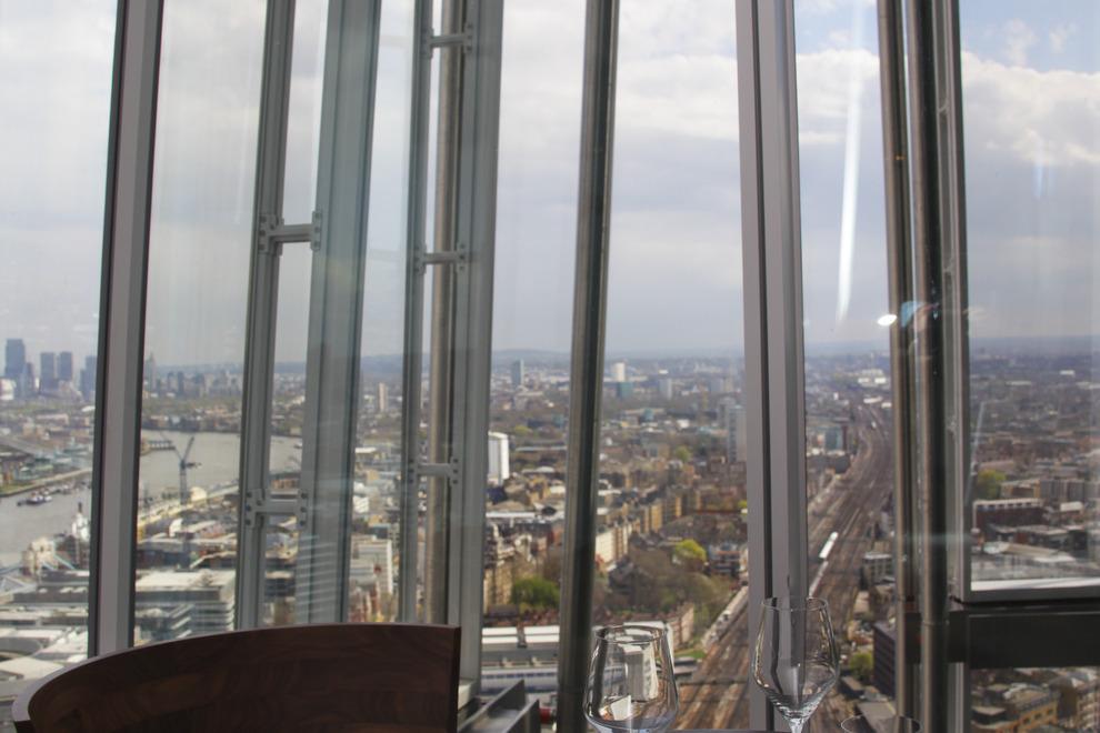 Oblix Restaurant & Bar - 32nd Floor, The Shard, 31 St. Thomas Street, London SE1 9RY, UK - Photo courtesy of  Oblix