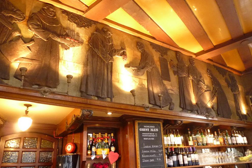 Black Friars Pub - 174 Queen Victoria Street, London EC4V 4EG, UK - Photo courtesy of  Love Art Nouveau