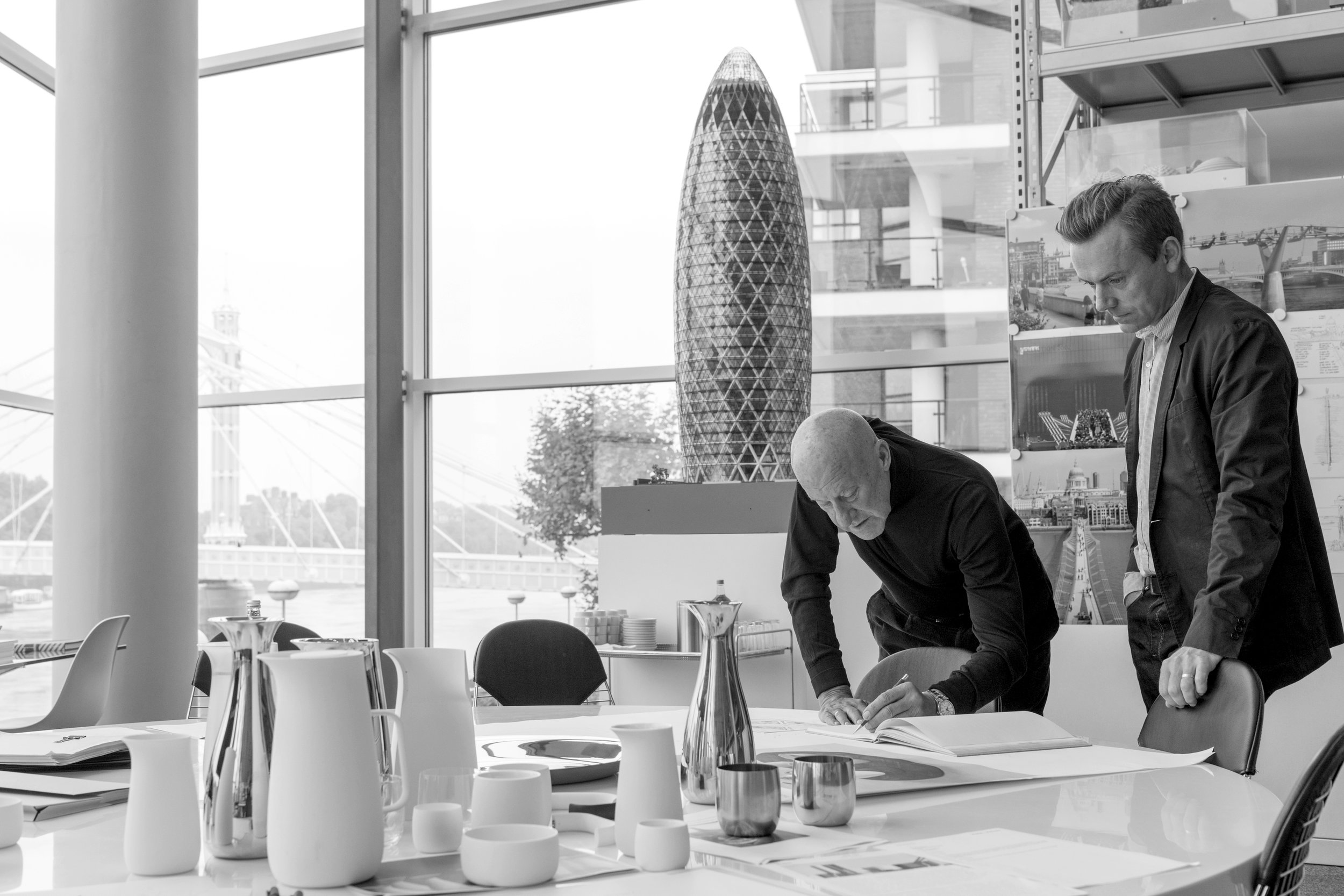 0361_FP637445_indesign_bw_Norman_Foster.jpg