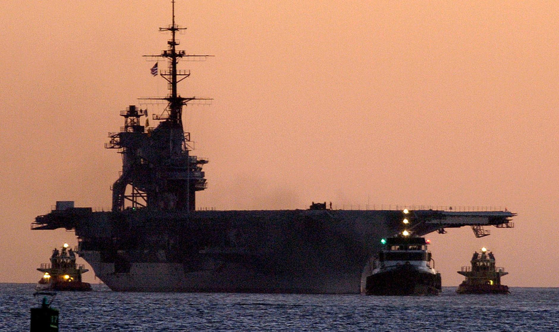 USS-Midway-Fire-1880x1118.jpg