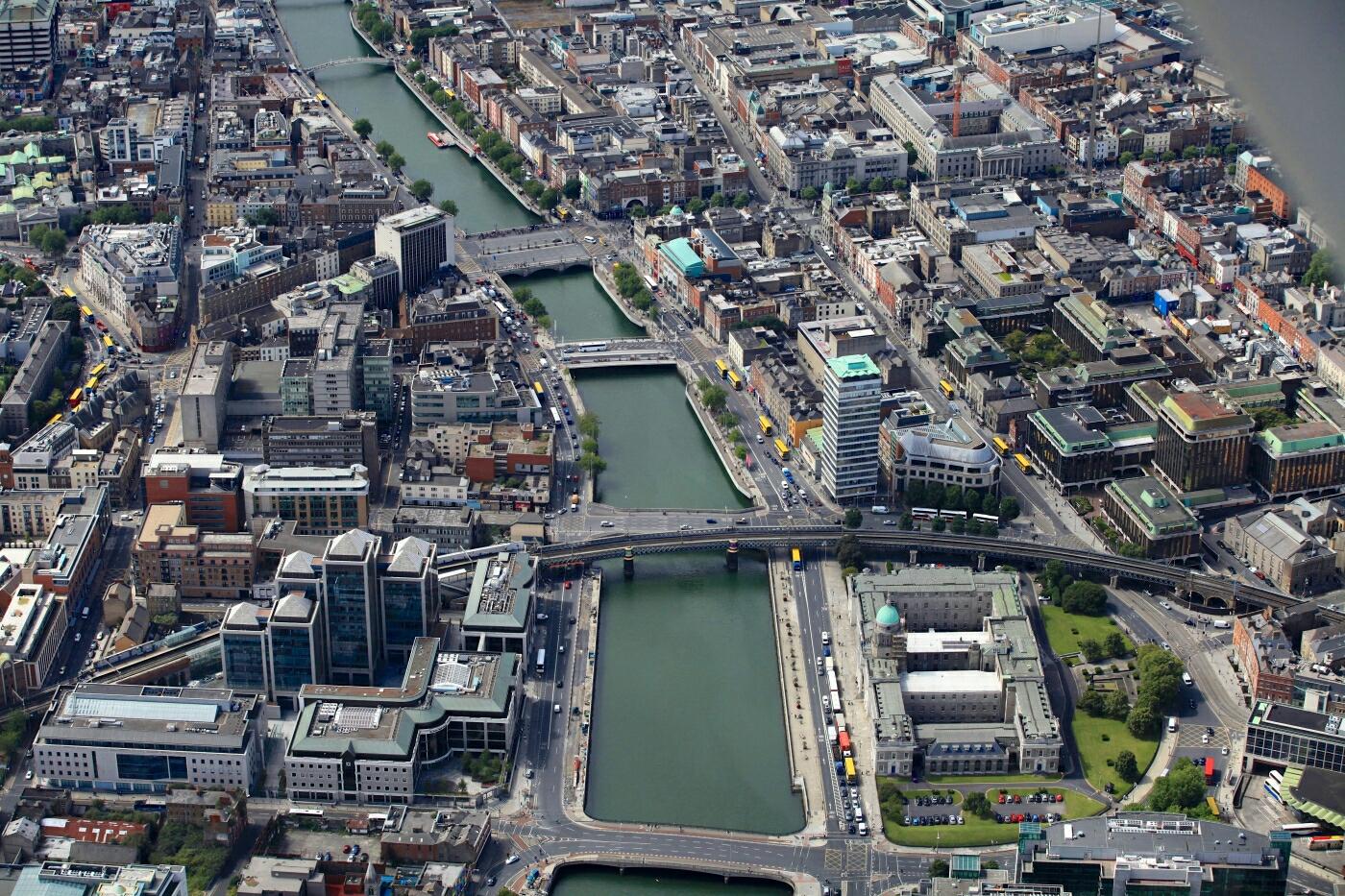 Dublín desde el cielo (río Liffey)