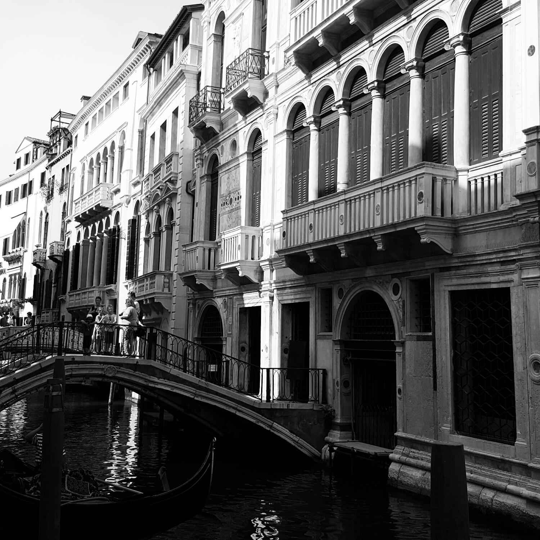 Canales de Venecia en Blanco y Negro