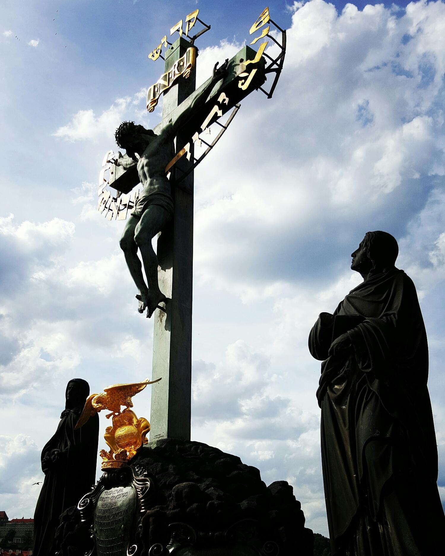 Estatua de Jesucristo en Charles Bridge