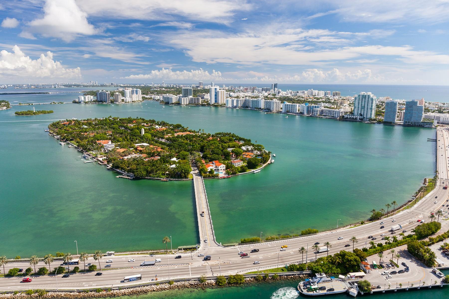 Star Island in Miami, South and Miami Beach in the back