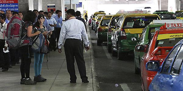Taxis en el Aeropuerto Internacional Suvarnabhumi, Bangkok