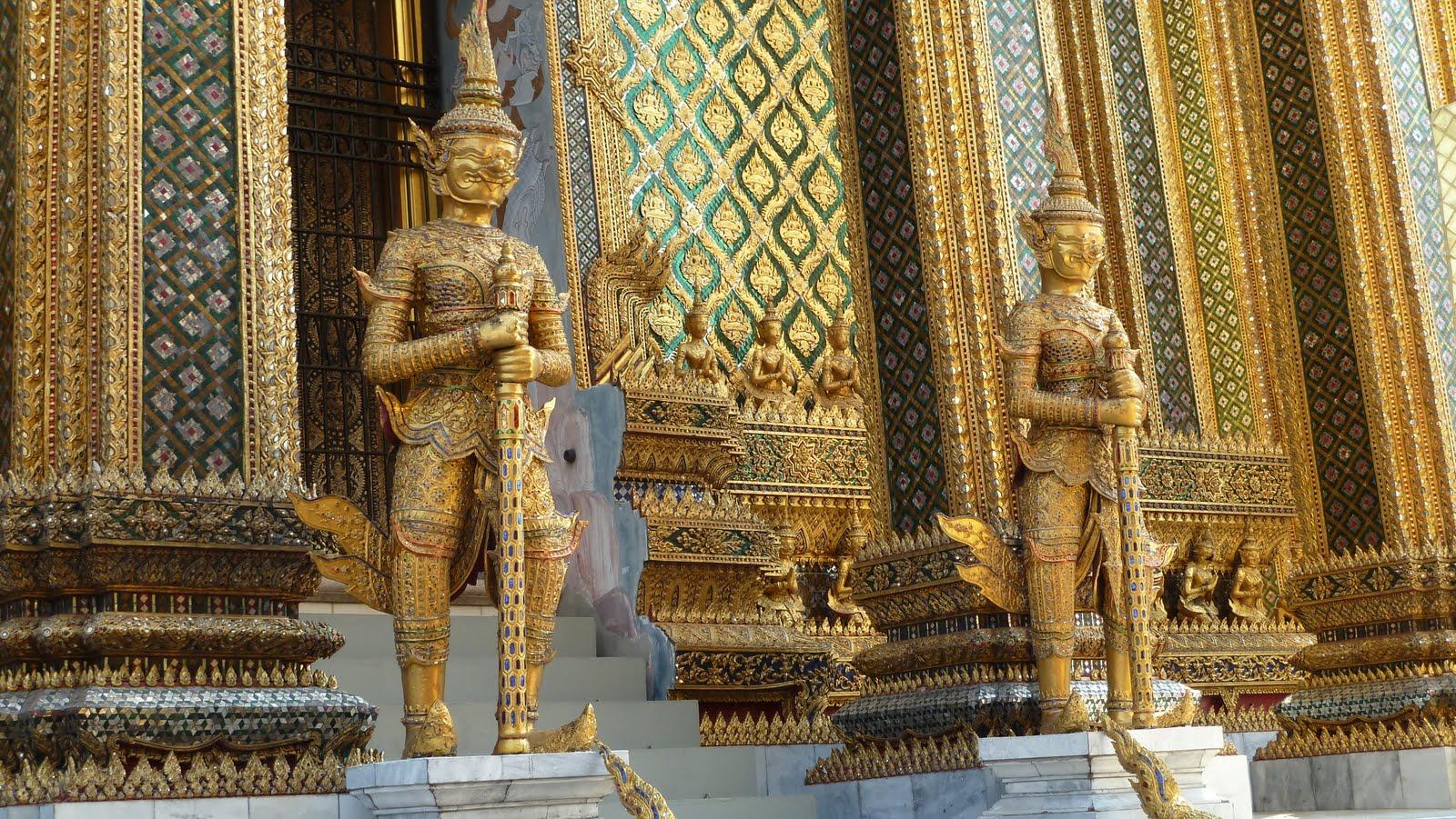 Entrada a la Biblioteca del Gran Palacio Real de Bangkok