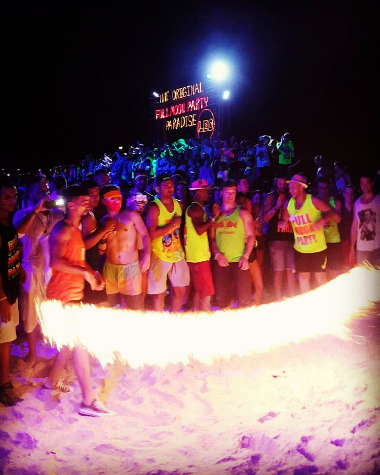Full Moon Party games