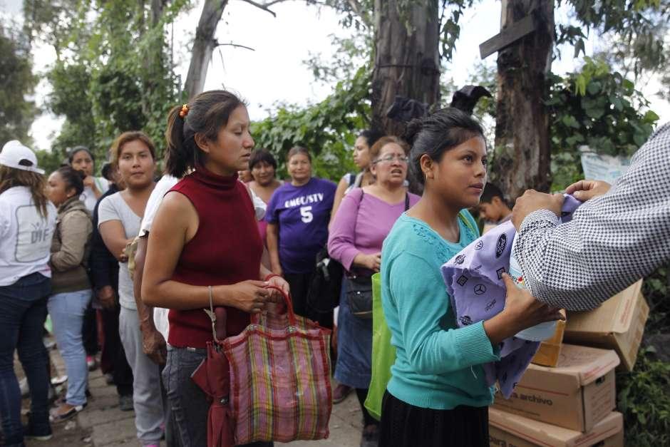 Entrega de ayuda a Morelos y Puebla pero sin investigación o análisis profundo