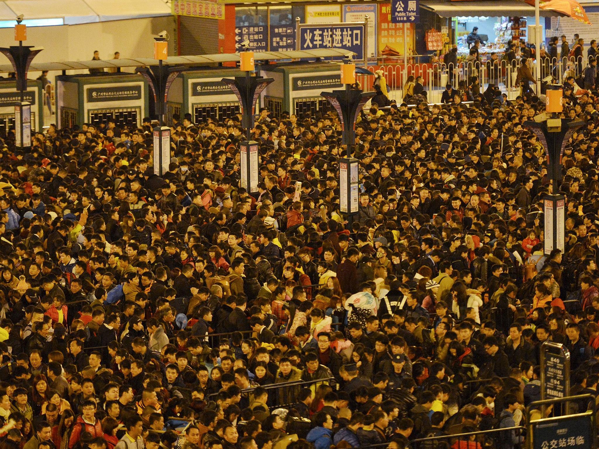 Estación de trenes en Guangzhou, China