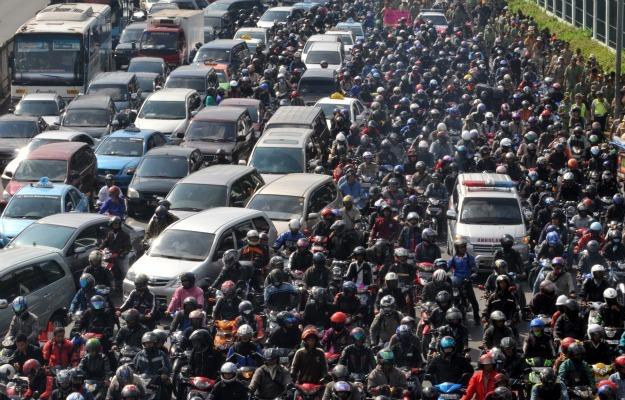 Tráfico en Jakarta, Indonesia