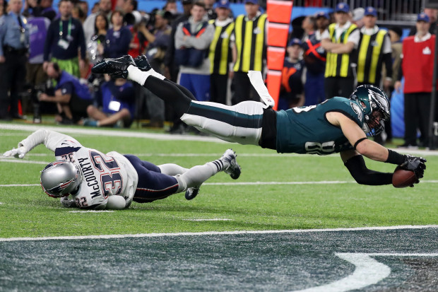 Zach Ertz flying for a touchdown in Super Bowl LII #FlyEaglesFly