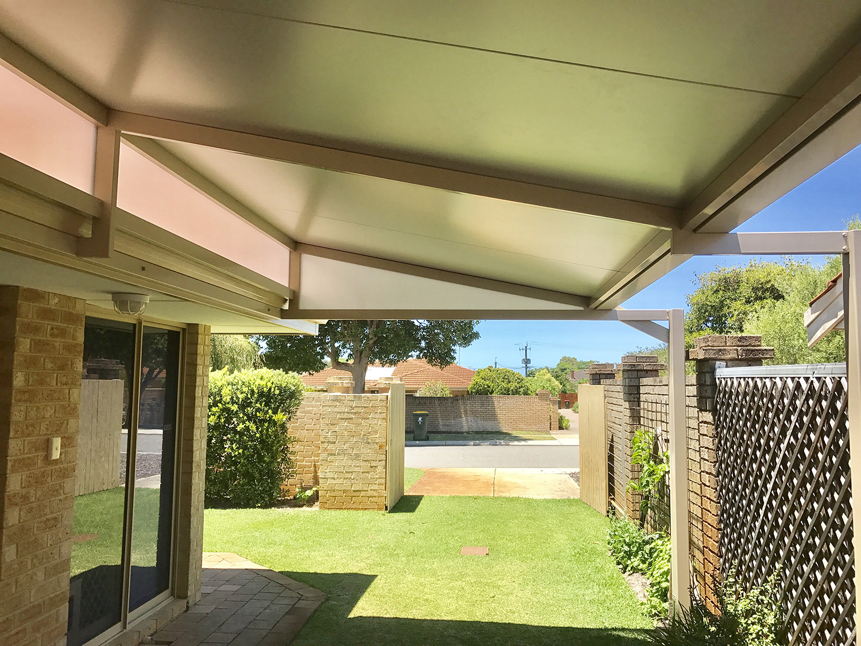 Perth-skillion-patio.jpg