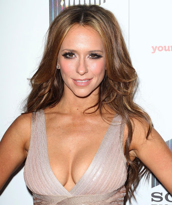 Celebs with a diamond shape face include Jennifer Love Hewitt
